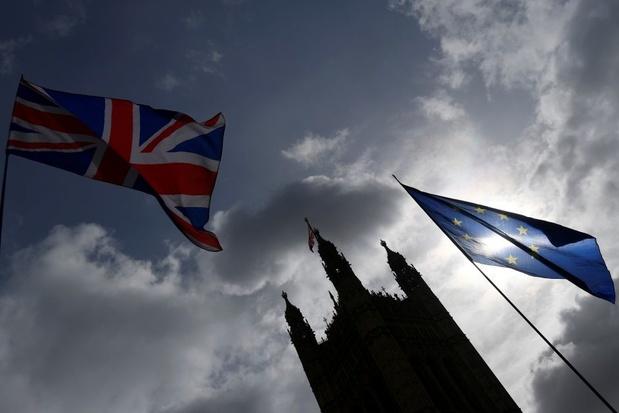 Drie Britse ministers stappen op uit protest tegen brexit-plannen premier May