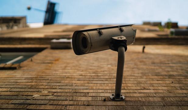 Stad Oostende gebruikt 70 onbemande camera's in strijd tegen sluikstorten en hondenpoep