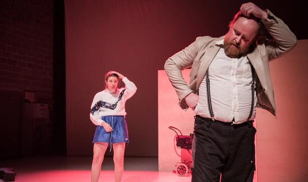 Anemone Valcke stampt de ziel uit haar lijf in 'Mouchette, de remake'