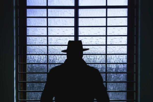 Huiszoeking bij ex-inlichtingenofficier Staatsveiligheid