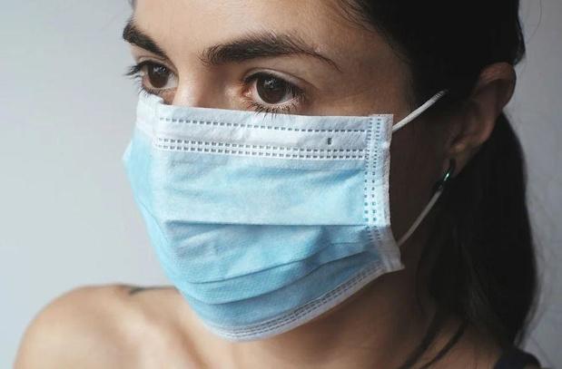 Blankenberge verplicht mondmasker aan de schoolpoort