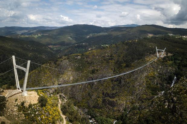 Le plus long pont pédestre suspendu du monde inauguré au Portugal (en images)