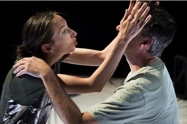 'Vechtstuk' is tintelend teksttheater met een schaamteloos happy-end