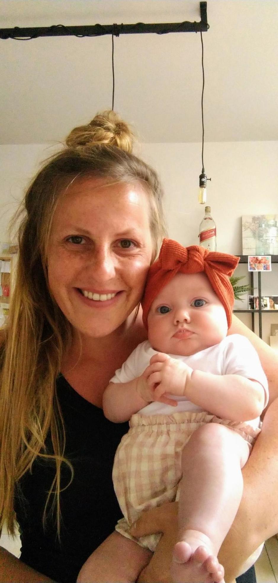 """Lien (29) over allereerste Moederdag: """"De eerste maanden als mama toch anders voorgesteld"""""""