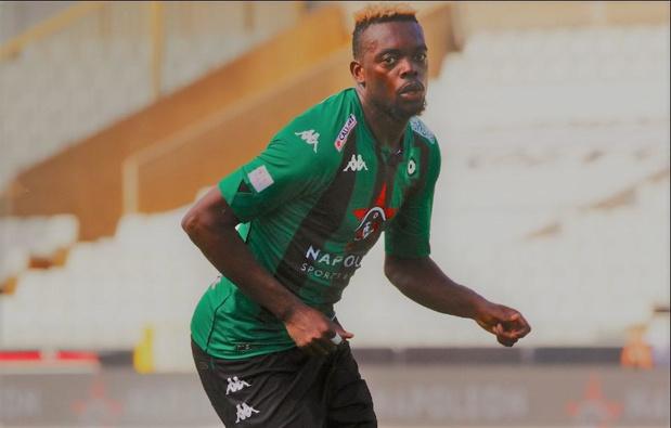 Guy Mbenza ruilt Cercle Brugge voor Antwerp