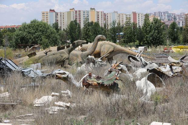 En images: Wonderland Eurasia, parc d'attractions extravagant à l'abandon