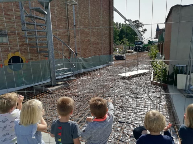 Nieuwe speelplaats van VBS De Horizon in Koolskamp is bijna klaar