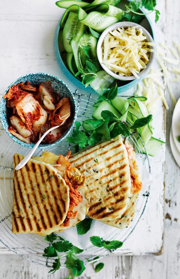 Recette du Croque-Monsieur de Naan au fromage et kimchi