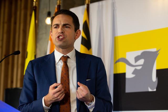 Le Vlaams Belang reste premier parti en Flandre, le PTB dépasse les verts en Wallonie