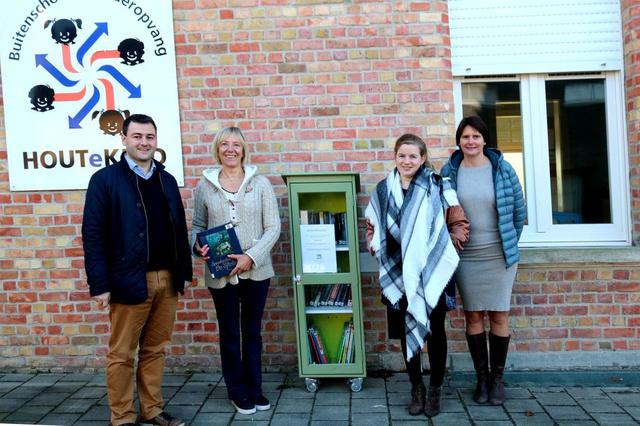 Boeken krijgen tweede leven via boekenruilkast in Houthulst - Krant van Westvlaanderen