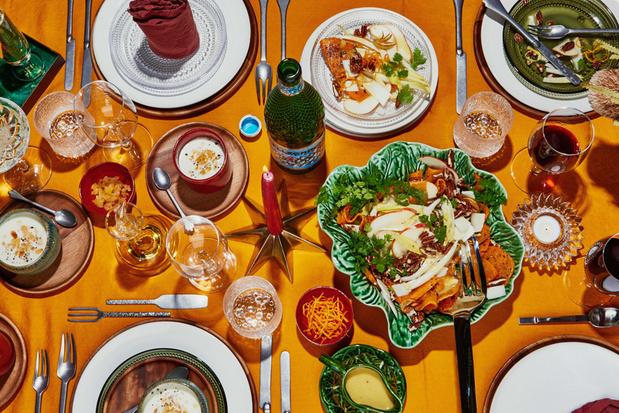 Salade van geroosterde pompoen, met witloof, geitenkaas en gebrande pecannoten