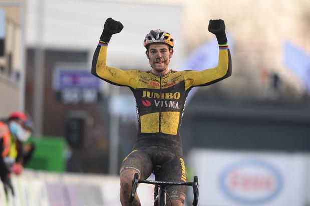 Wout van Aert heeft vierde Belgische titel veldrijden beet