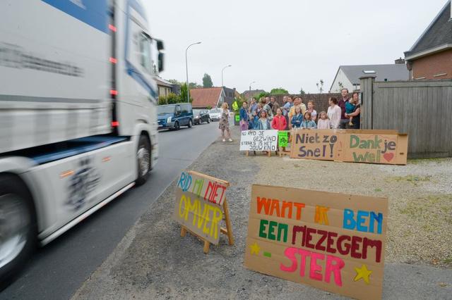 Maatregelen moeten zwaar verkeer aan banden leggen in drie Kachtemse straten - Krant van Westvlaanderen