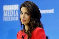 Brexit: Amal Clooney démissionne avec fracas de son rôle d'envoyée spéciale