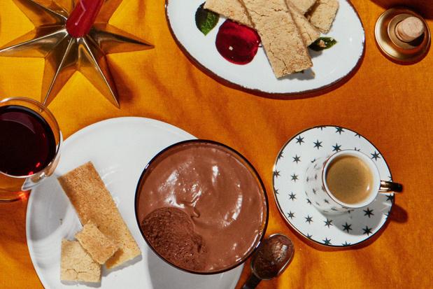 Chocolademousse met kardemomshortbread