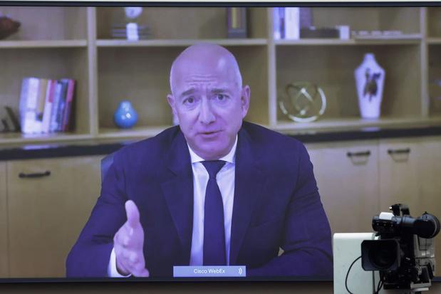 'Waarom Bezos een stap opzij zet als CEO van Amazon'