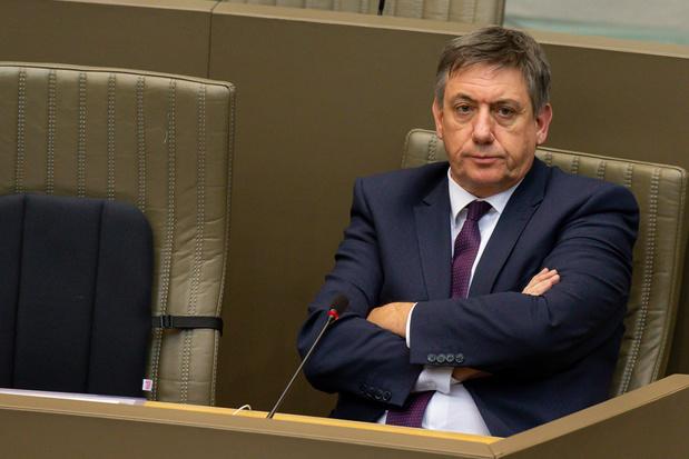 'Binnen de Vlaamse regering leeft het besef dat ze al snel in de gracht is beland'