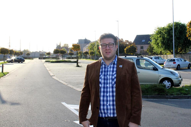 """Gemeenteraadslid Tom Demunter: """"Parkeren aan station in Waregem moet gratis"""" - Krant van Westvlaanderen"""