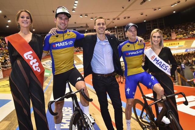 Mark Cavendish valt op eerste avond Zesdaagse van Gent, Jonas Rickaert is zijn vervanger - Krant van Westvlaanderen