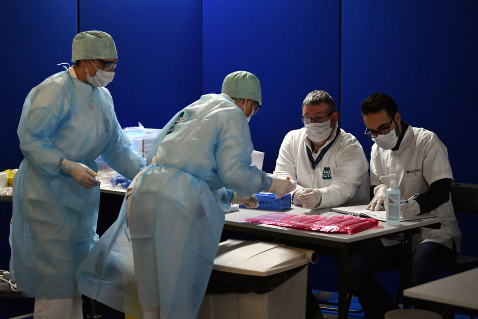 Kan de Belgische zorgsector de nakende stroom coronapatiënten aan?