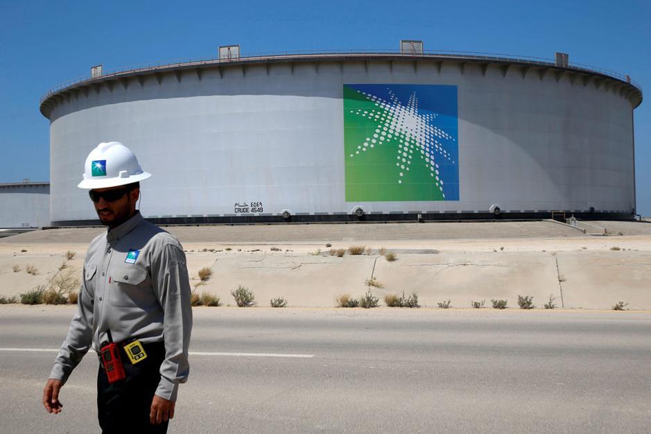 Prijzenoorlog op de oliemarkt: 'Saudi-Arabië wil zijn marktaandeel verhogen'