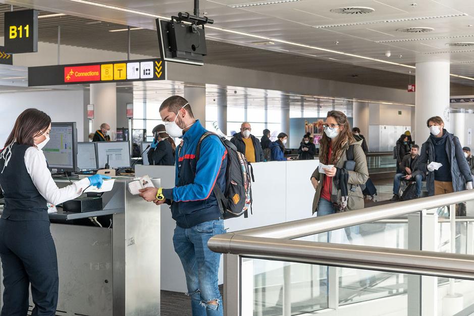 Vliegen naar het buitenland? Dit zijn de rechten en plichten van toeristen in tijden van pandemie