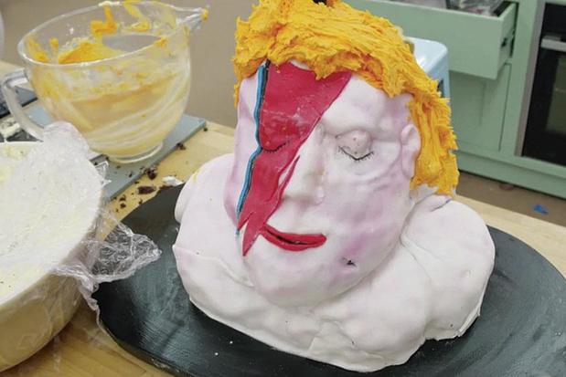 De vanillecake van David Bowie en zes andere celebmisbaksels om van te smullen