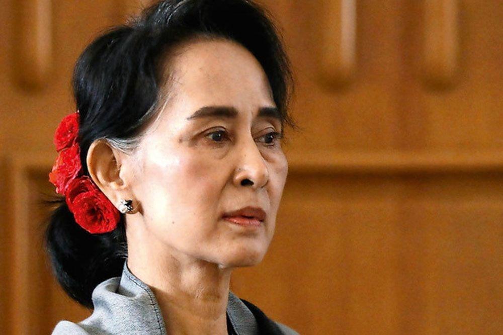 """""""Mère Suu """" (ici, en 2016) nie l'oppression des Rohingya et refuse l'envoi d'une mission d'observation par l'ONU., Soe Zeya Tun/Reuters"""