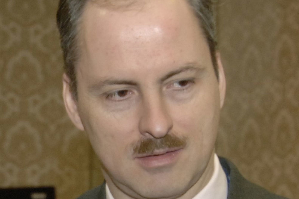 Klaus Welle, Wikipedia