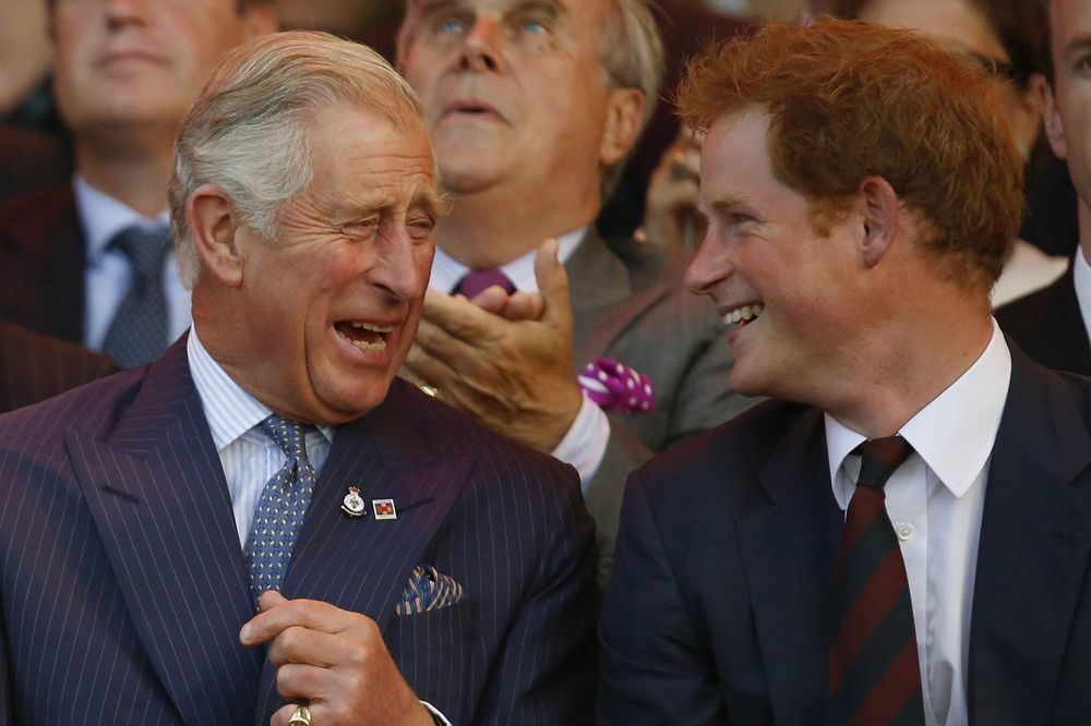 Le prince Charles et son fils Harry, Reuters