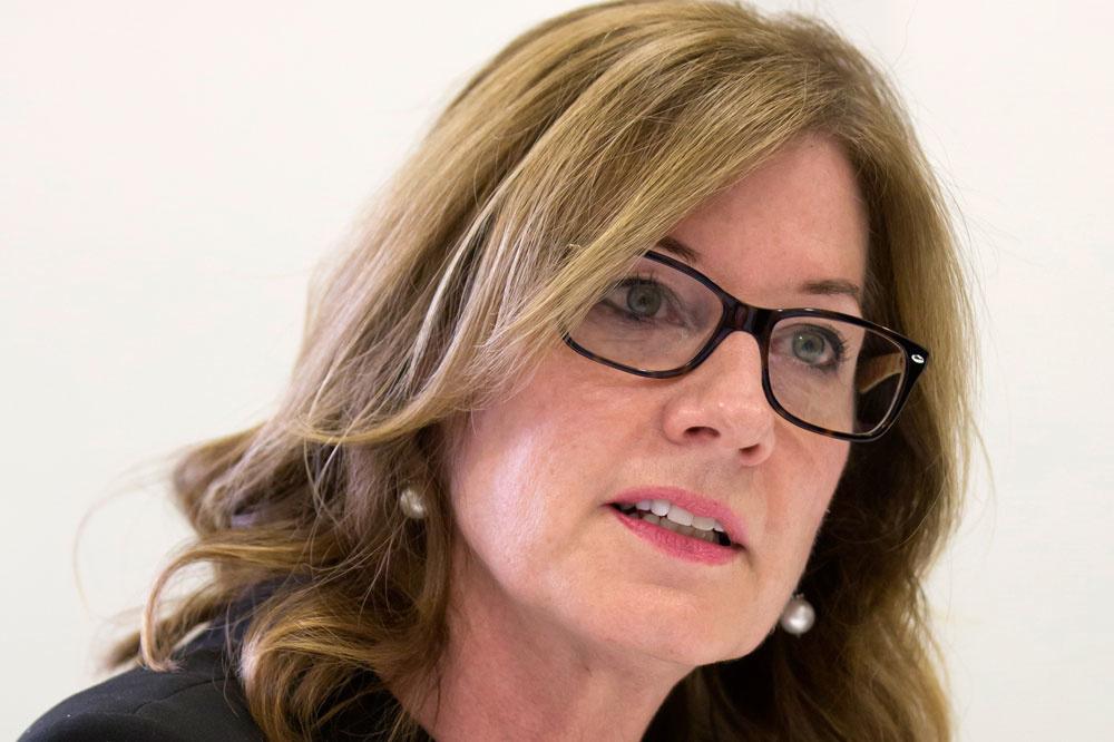 Elizabeth Den Ham, Wikipedia