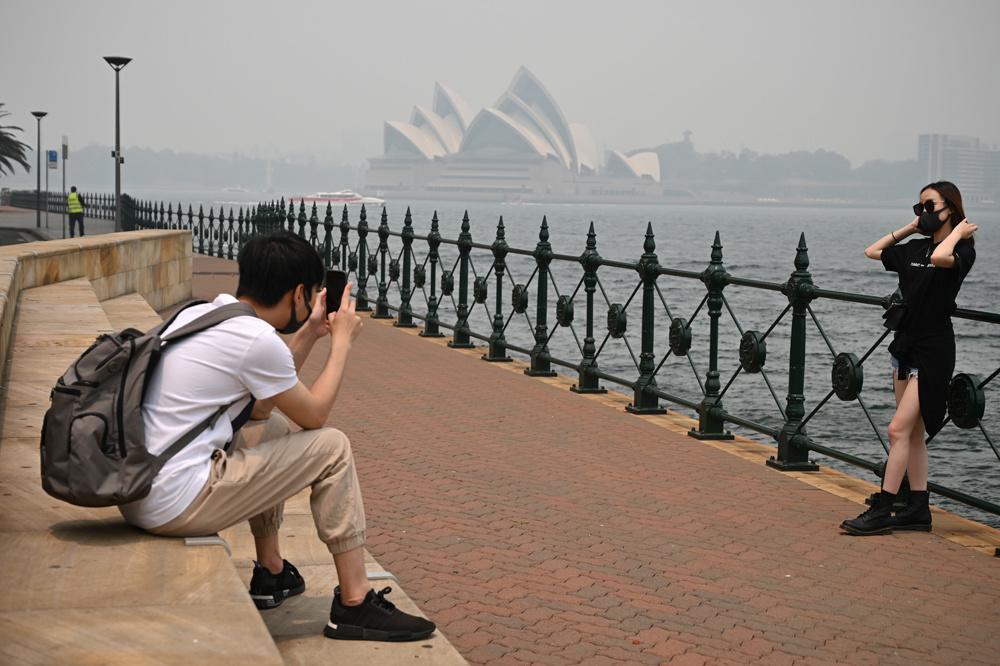 Sydney étouffe sous la pollution liée aux feux de forêt., Reuters
