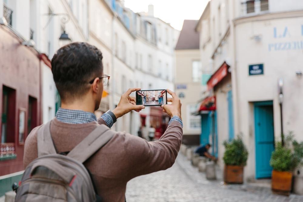 Sur Instagram, les autres semblent plus beaux, plus intéressants et plus amusants que soi., Getty Images / Alexander Spatari