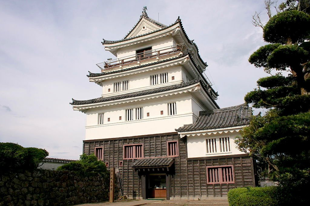 Het Hirado kasteel in Kyushu, Wikimedia commons