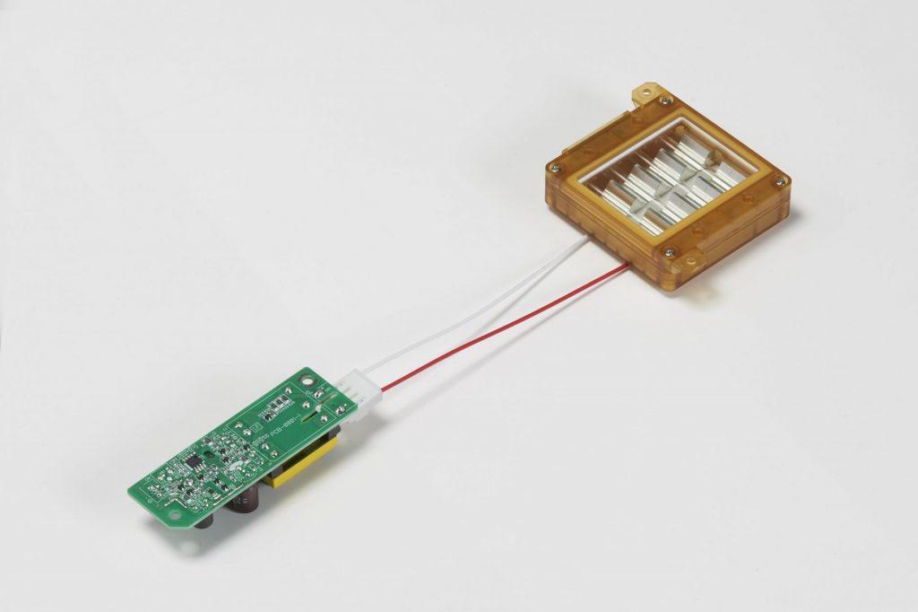 Lampe UVC fabriquée par la société japonaise Ushio, DR