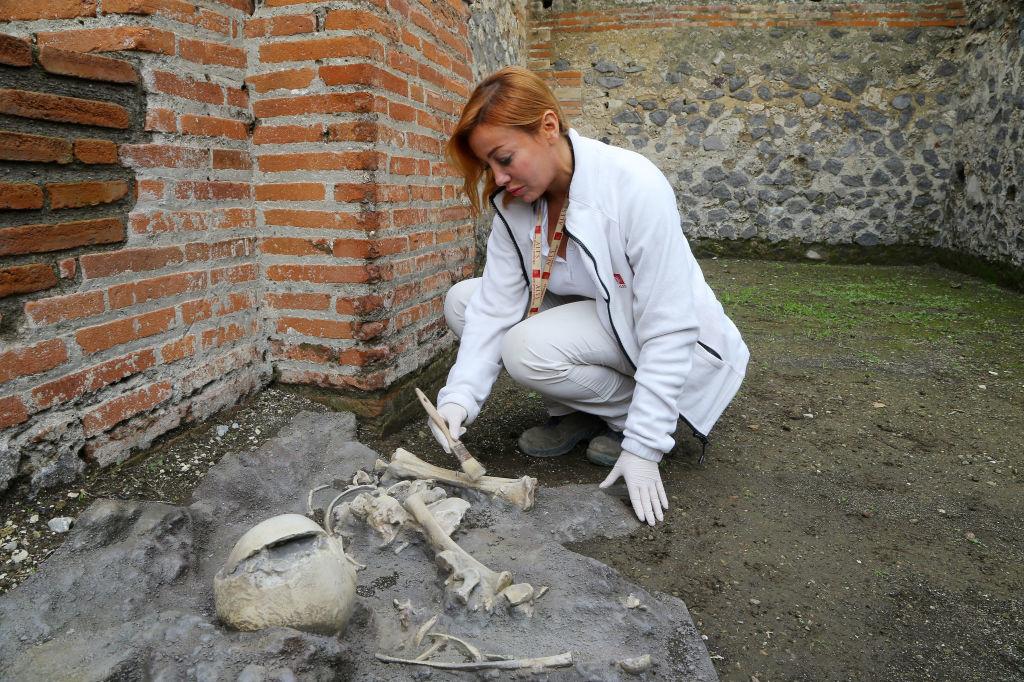 Het skelet van een kind werd gevonden in de thermen, Getty