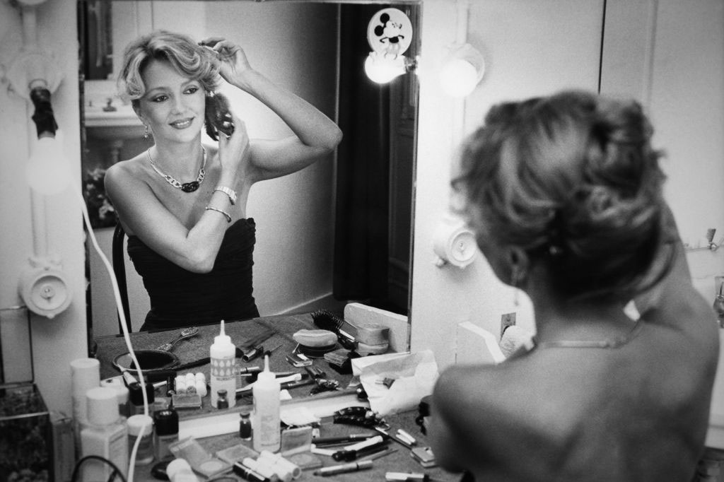 Caroline Cellier dans sa loge en 1992., Getty Images