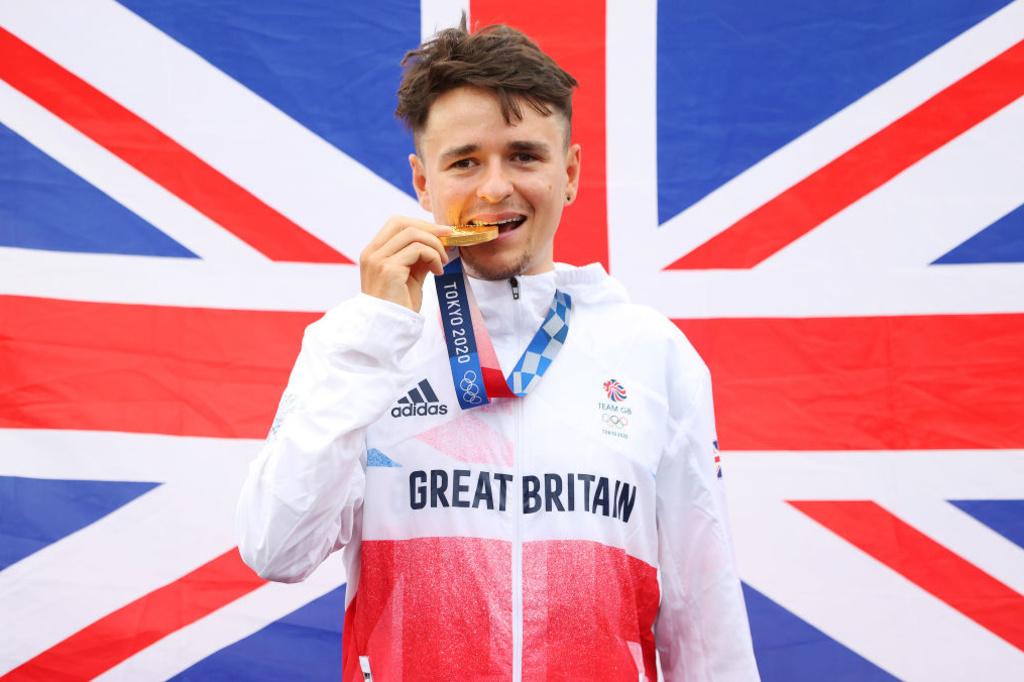 A 21 ans, le Britannique Tom Pidcock gagne l'or olympique en VTT alors qu'il s'était cassé la clavicule il ya deux mois., iStock