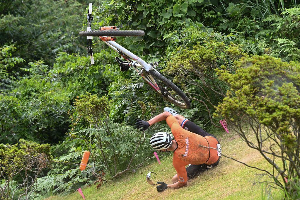 Favori de l'épreuve, Mathieu van der Poel a chuté lors du premier tour en pensant qu'une planche se trouvait entre deux obstacles., iStock