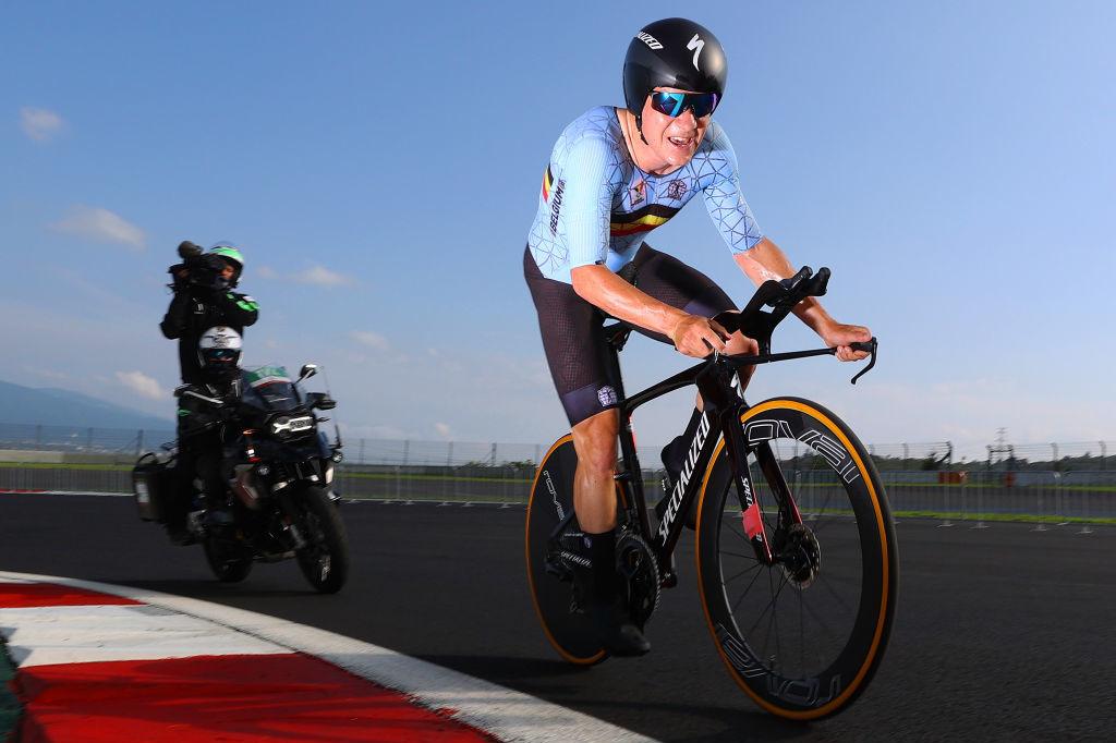 Le retour au sommet de Remco Evenepoel, après sa grave blessure résultant de sa chute au Tour de Lombardie 2020, semble plus long qu'attendu., iStock