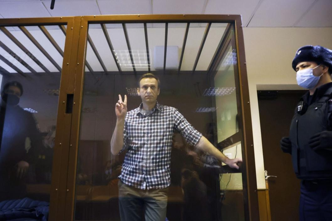 """Navalny poursuivait sa grève de la faim depuis trois semaines pour protester contre le faible accès aux soins médicaux. Selon ses médecins, il risquerait un arrêt cardiaque """"d'une minute à l'autre""""., Reuters"""
