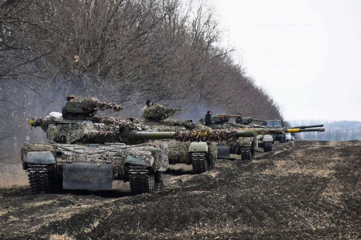 La guerre dans le Donbass (est de l'Ukraine) dure depuis 2014. Depuis son déclenchement, elle a fait plus de 13 000 morts et près de 1,5 million de personnes déplacées. Le conflit perdure avec les séparatistes pro-russes soutenus par Moscou., Reuters