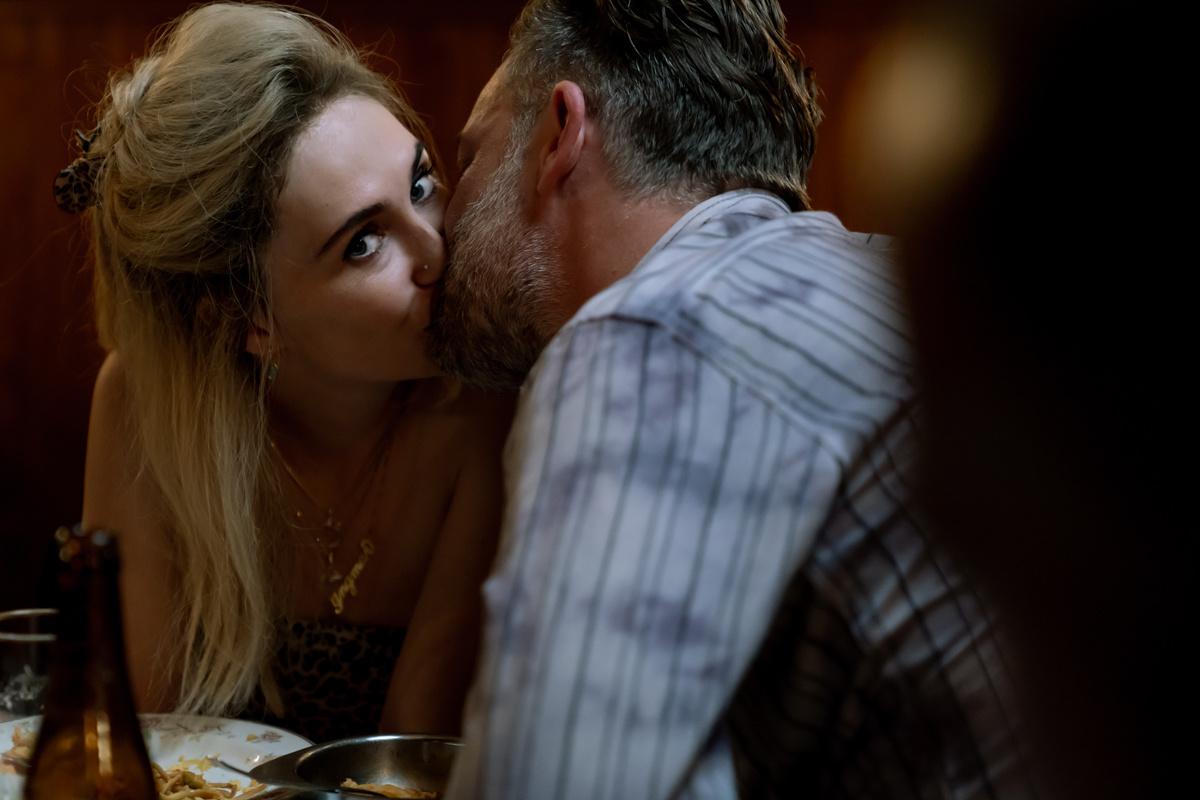 Clarice van Houten en Geert Van Rampelberg in 'Red Light', Maarten De Bouw