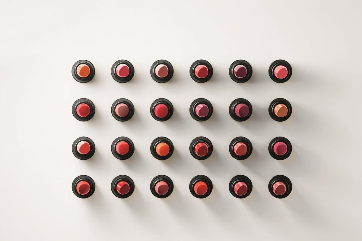 De eerste collectie bestaat uit 24 lippenstiften., Foto Hermès