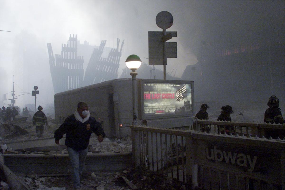 De omgeving van de voormalige WTC-torens is een enorme puinhoop. , Reuters