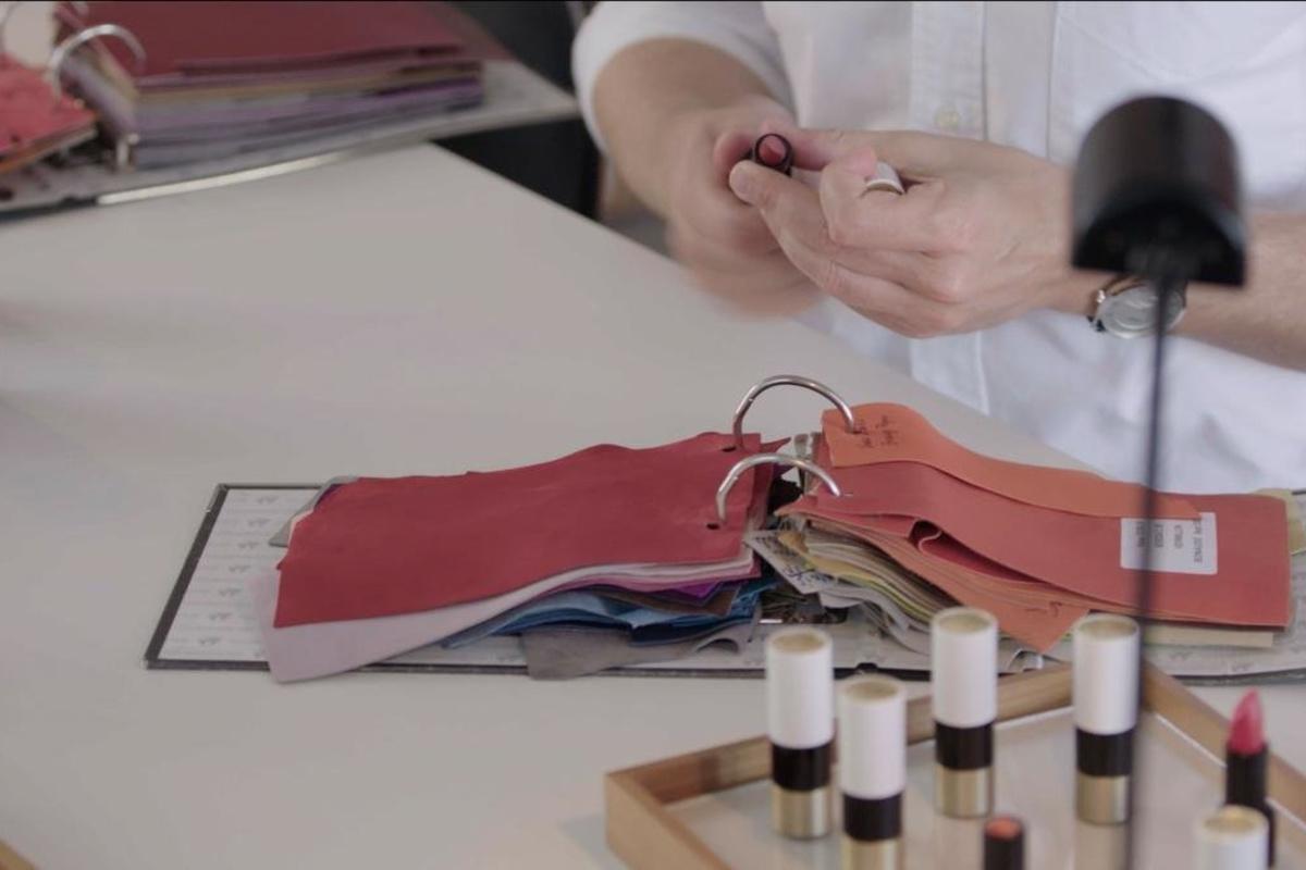 Het ideale rood is zacht en flatterend., Foto Hermès