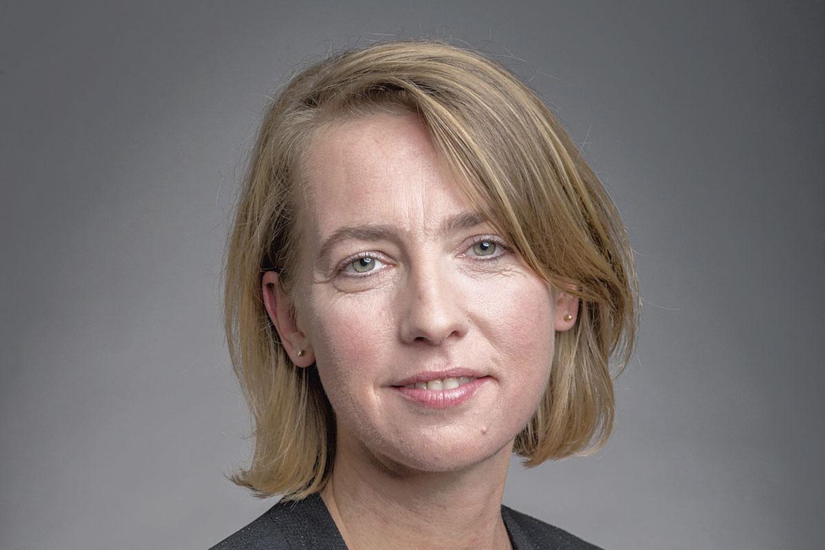 """Véronique Léonard, responsable dupôle Éco-Transition: """"La transition écologique est encore trop souvent perçue comme une contrainte et un coût plutôt qu'une opportunité. Or, l'avantage que les sociétés en retirent au final est également économique."""", pg"""