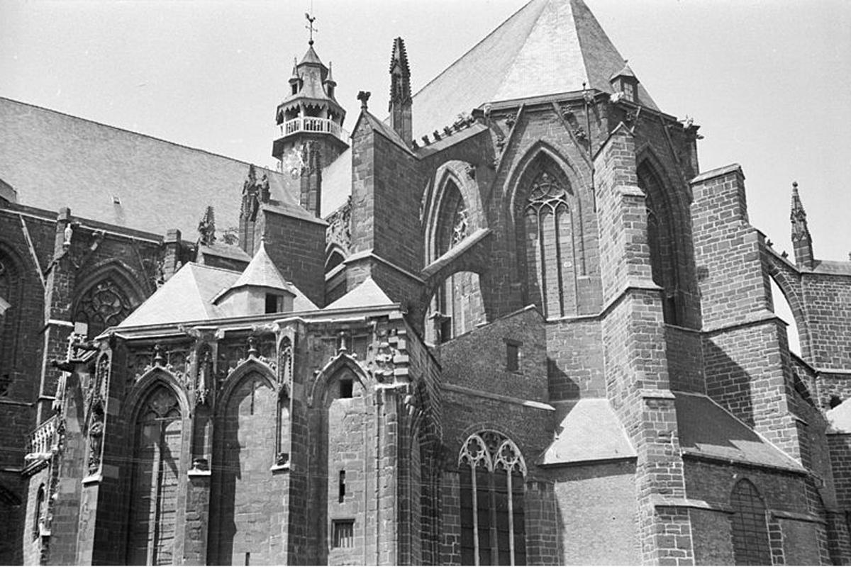 Sint-sulpitiuskerk, Wiki Commons