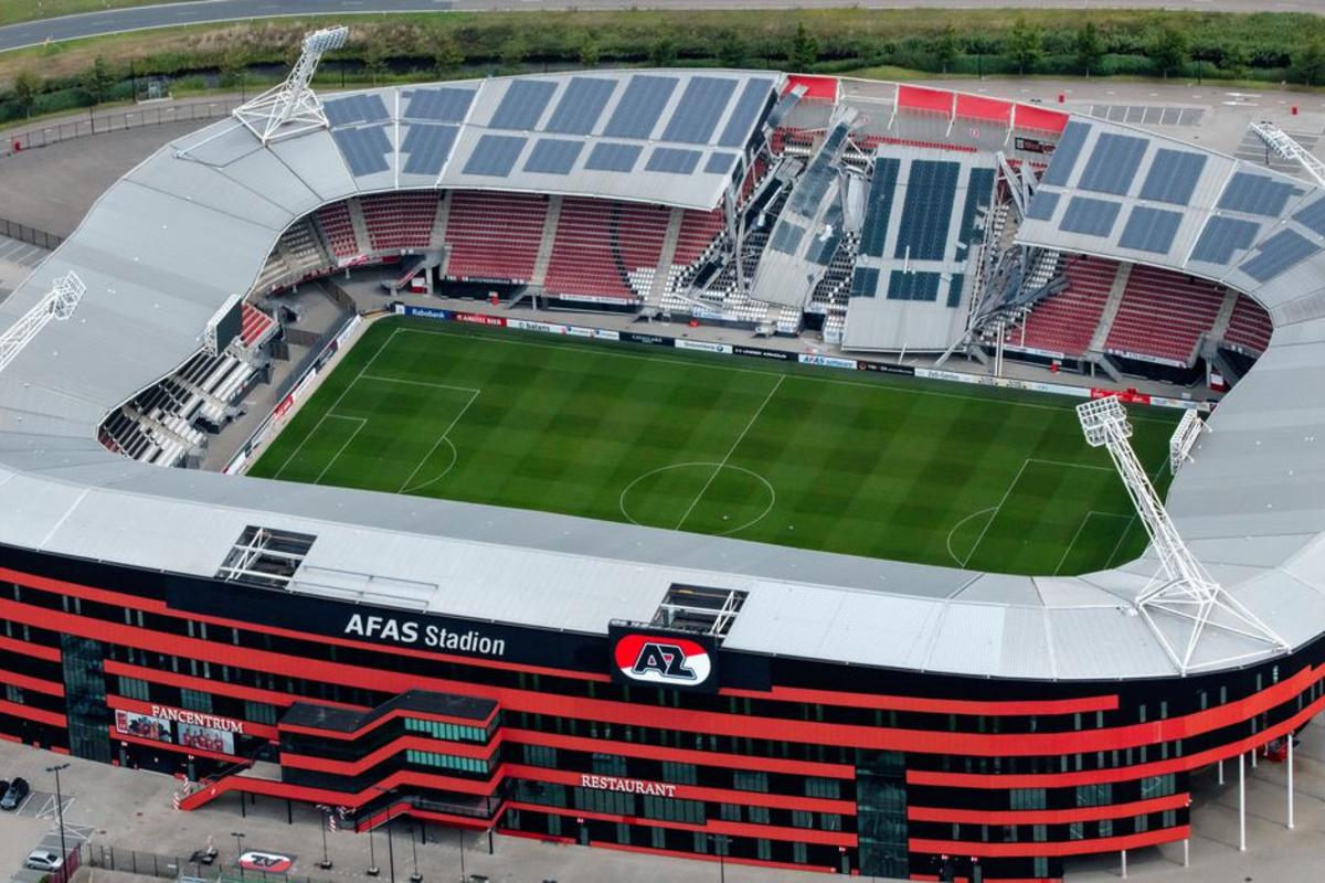 Zo zag het stadion eruit toen het dak instortte., Belga Image