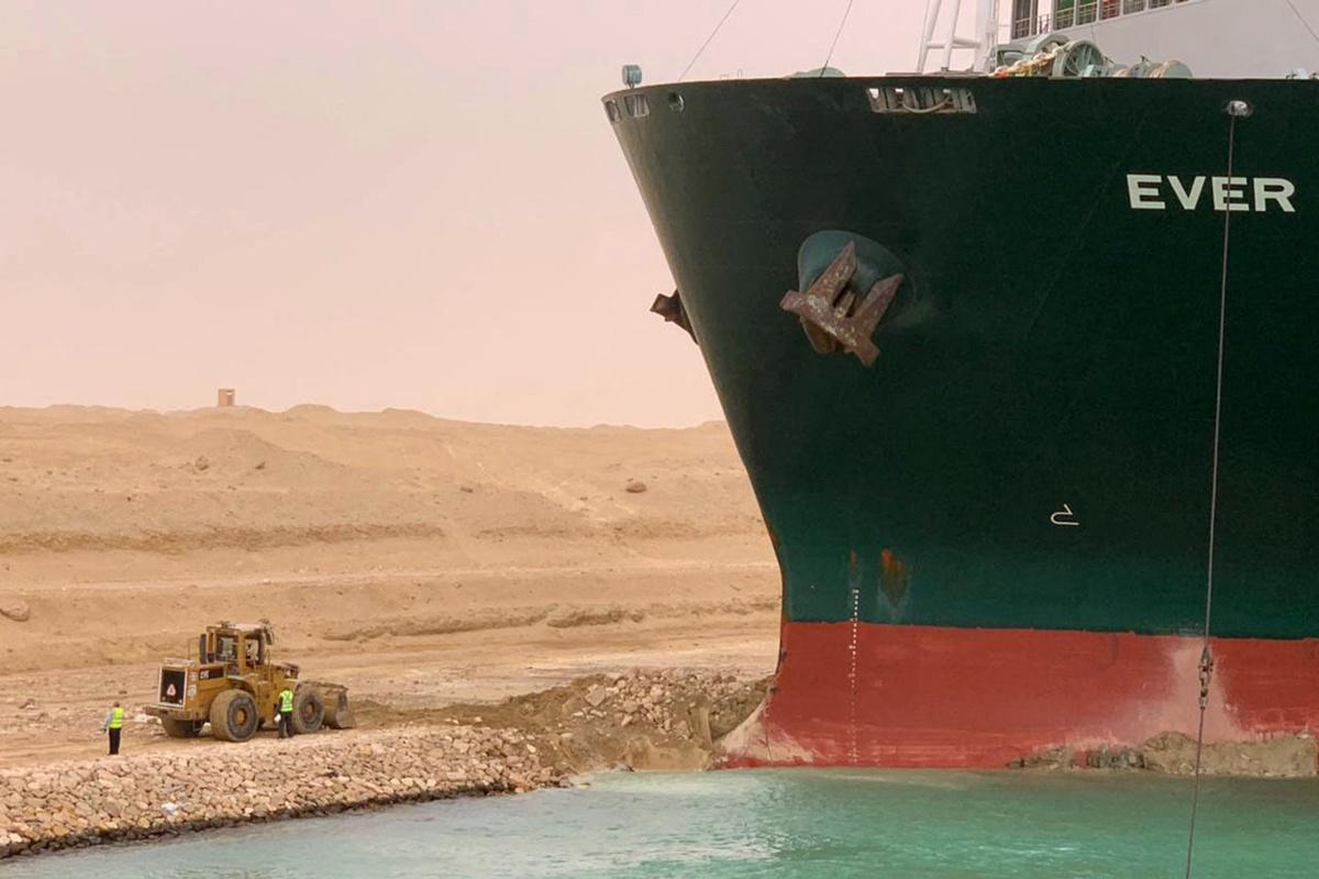 Suezkanaal geblokkeerd door containerschip, Belga Image